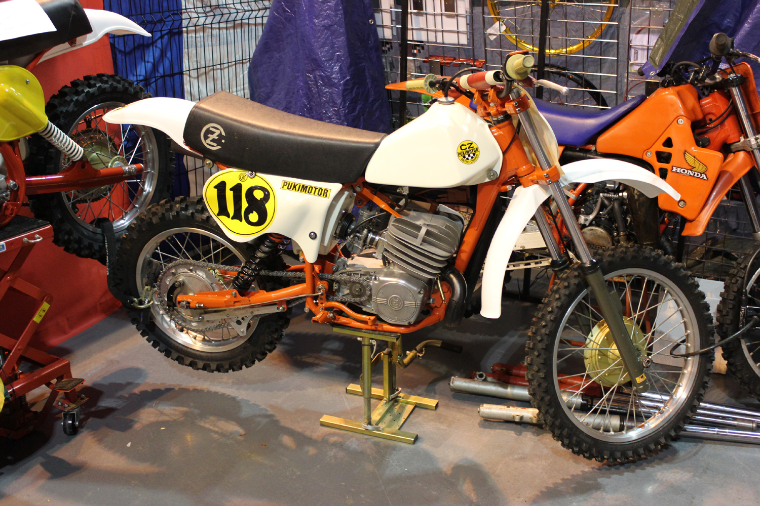 classicdirtbikerider.com-photo by Mr J-2015 Telford classic dirt bike show-CZ TWINSHOCKER
