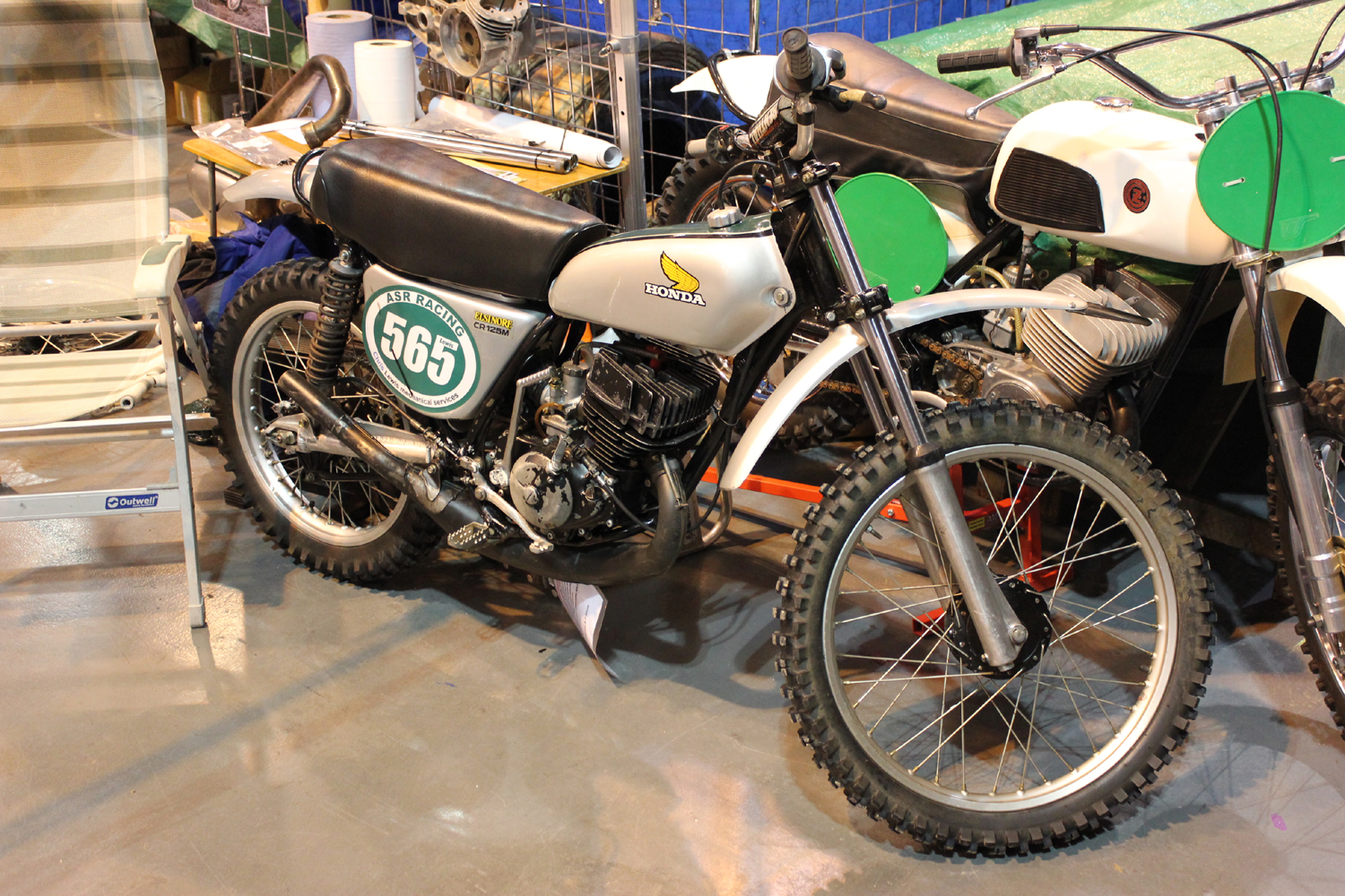 classicdirtbikerider.com-photo by Mr J-2015 Telford classic dirt bike show-HONDA CR125M ELSINORE TWINSHOCK BIKE
