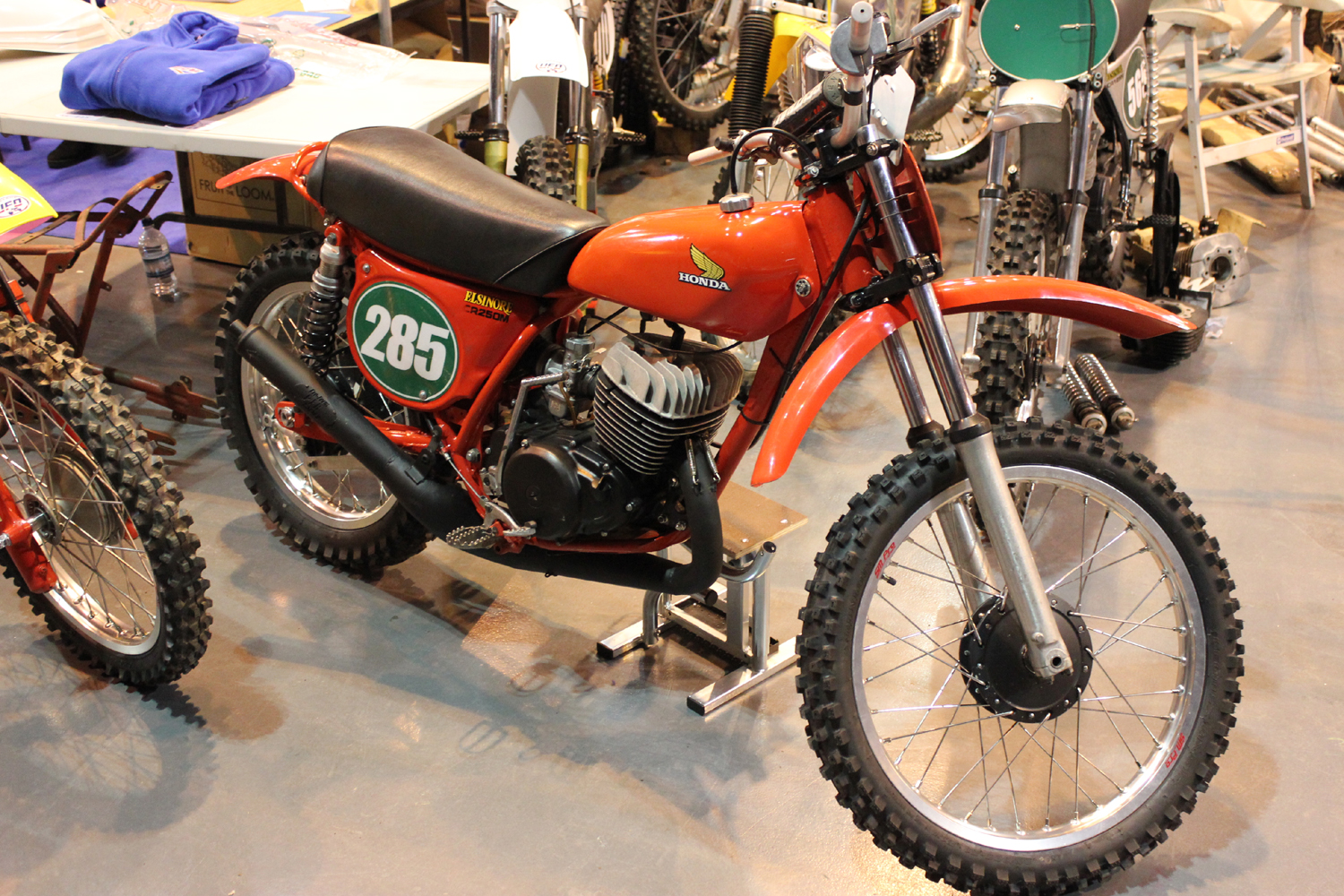 classicdirtbikerider.com-photo by Mr J-2015 Telford classic dirt bike show-HONDA CR250M ELSINORE TWINSHOCK