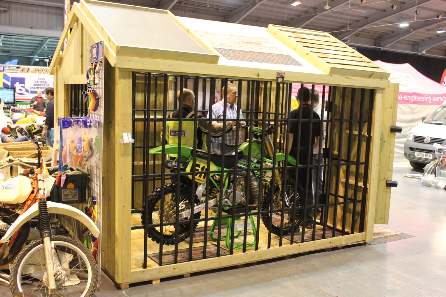 classicdirtbikerider.com-photo by Mr J-2015 Telford classic dirt bike show-THE LATEST THING IN OFF ROAD BIKE SECURITY
