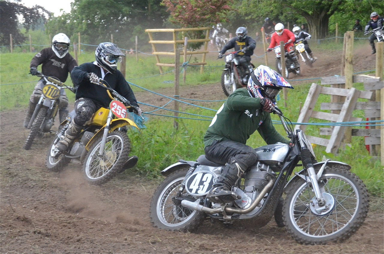 cholmondeley pageant of power 2015 classic scramble demonstration races classicdirtbikerider.com BSA B44