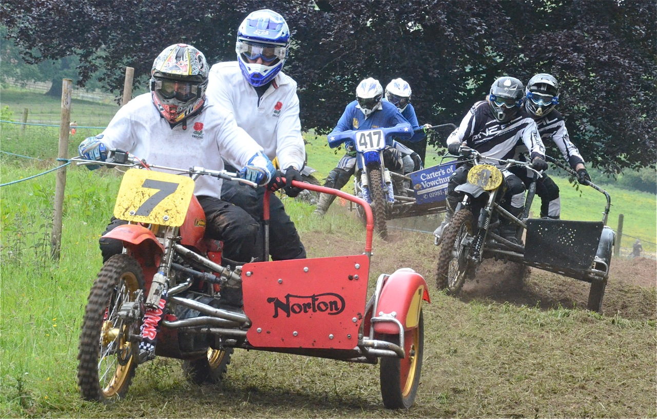 cholmondeley pageant of power 2015 classic scramble demonstration races classicdirtbikerider.com SIDECAR 3