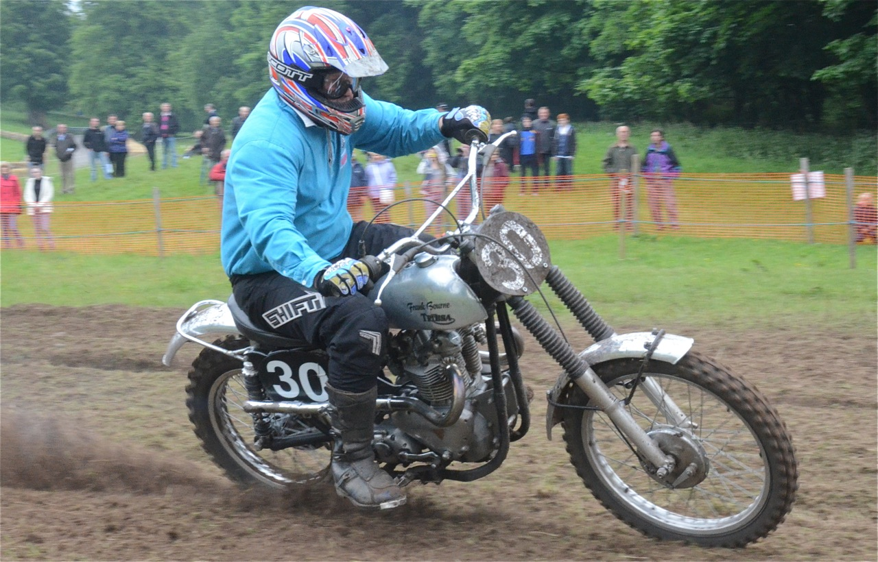 cholmondeley pageant of power 2015 classic scramble demonstration races classicdirtbikerider.com frank bourne