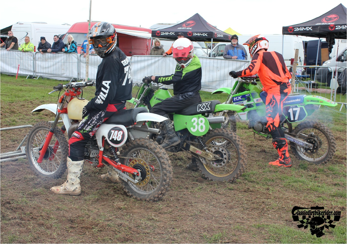 classicdirtbikerider.com-national-twinshock-championship-2015-Garstang-at the start gate ready to race 4