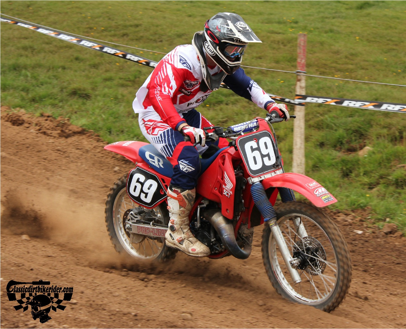 classicdirtbikerider.com-national-twinshock-championship-2015-Garstang-heavy on the brakes Honda CR