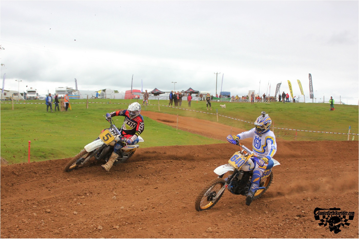 classicdirtbikerider.com-national-twinshock-championship-2015-Garstang-in the heat of battle 2