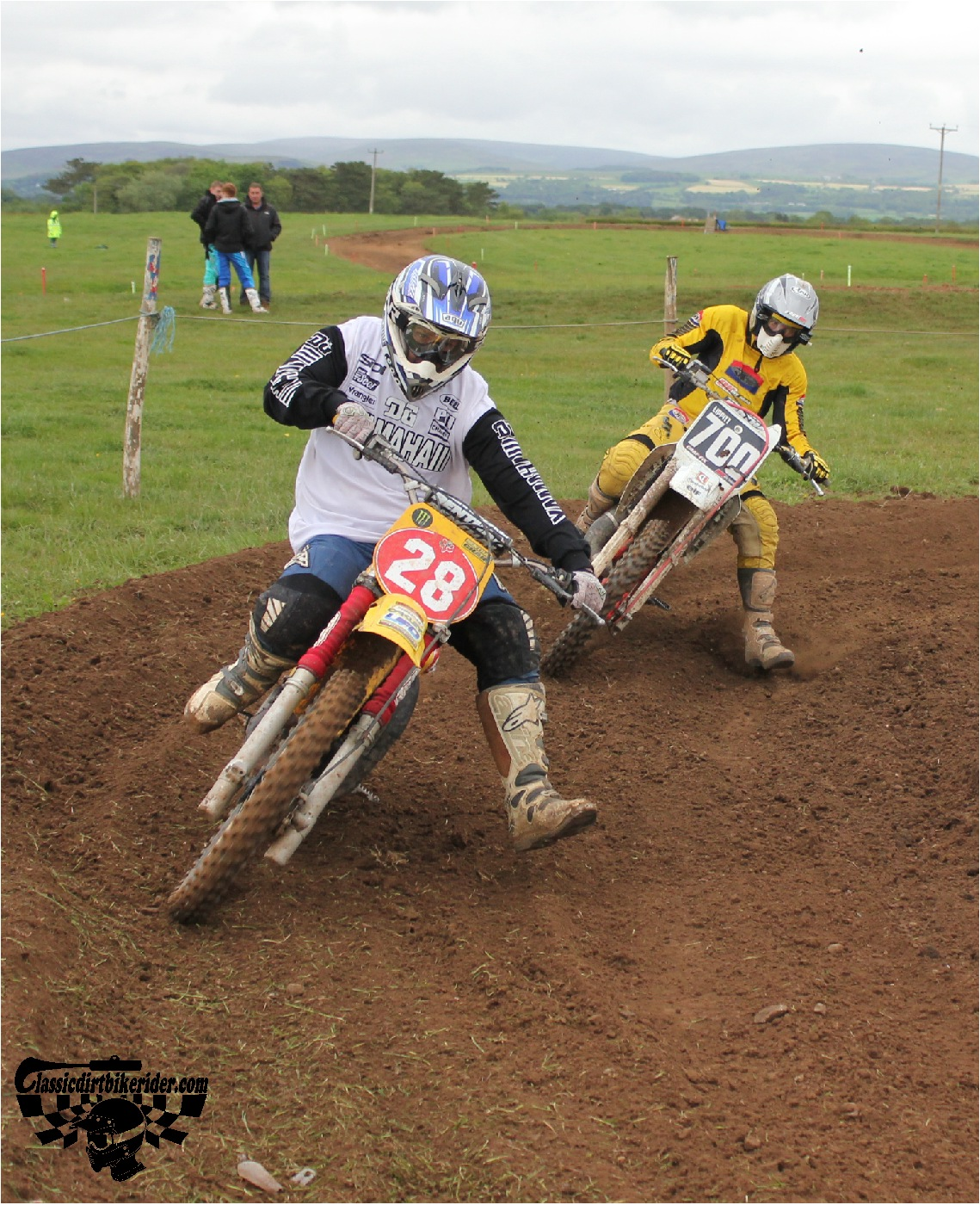 classicdirtbikerider.com-national-twinshock-championship-2015-Garstang-in the heat of battle 6