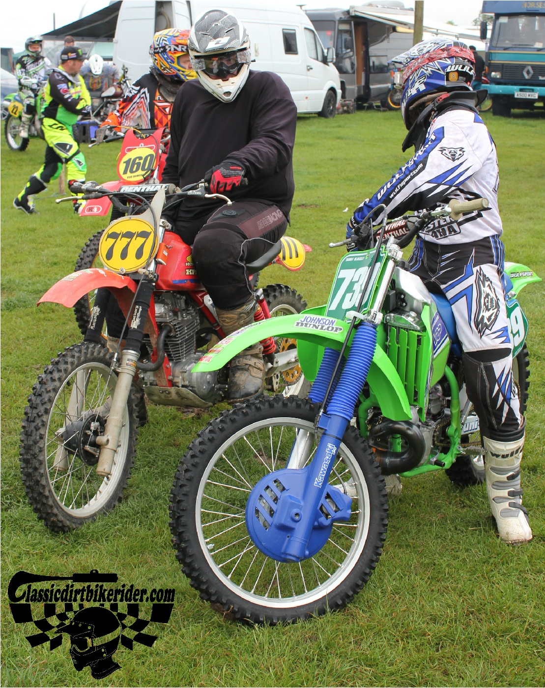 classicdirtbikerider.com-national-twinshock-championship-2015-Garstang-riders get ready for practice 1