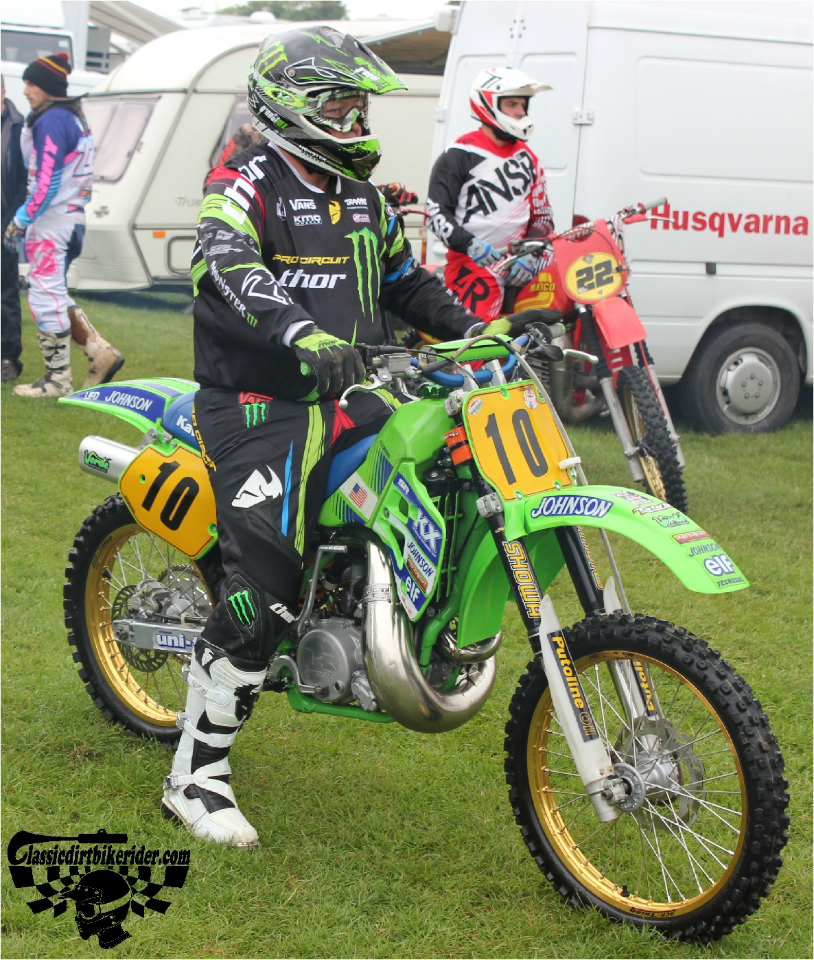 classicdirtbikerider.com-national-twinshock-championship-2015-Garstang-riders get ready for practice 12