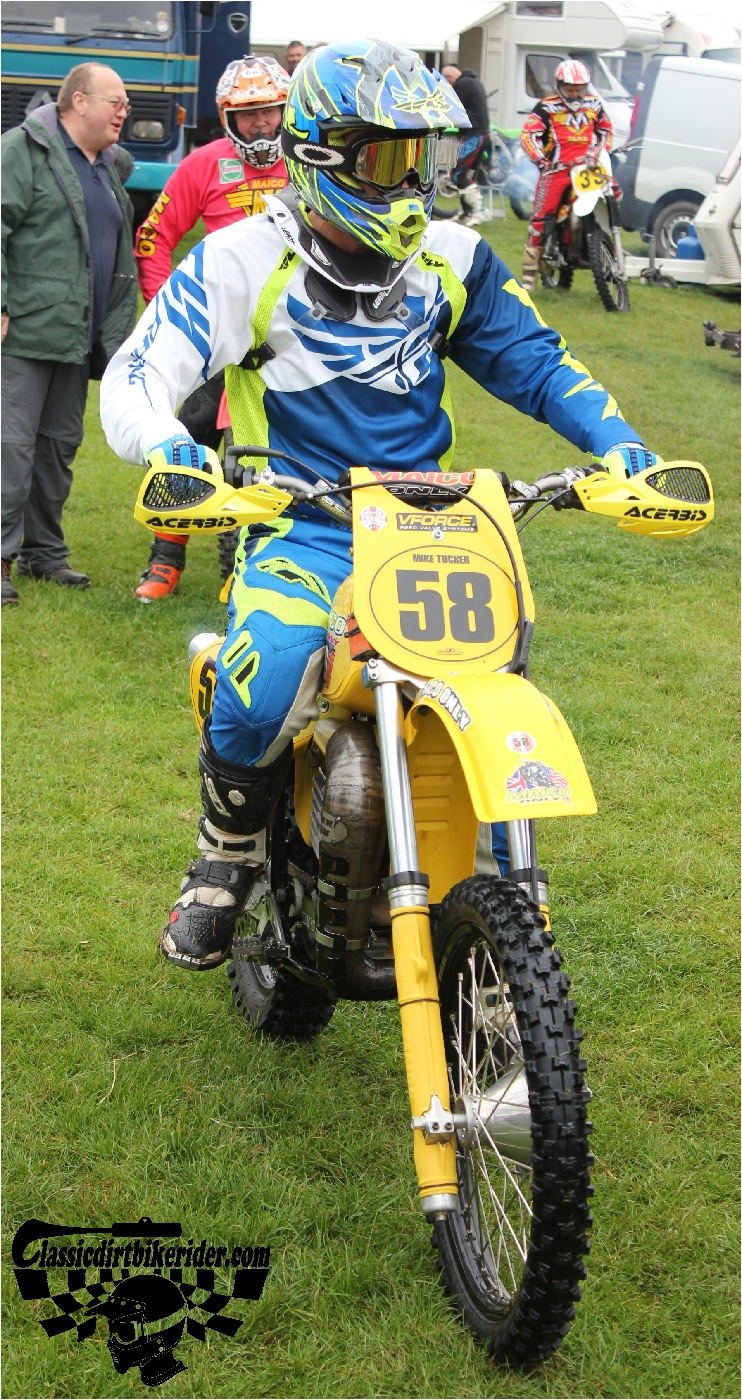 classicdirtbikerider.com-national-twinshock-championship-2015-Garstang-riders get ready for practice 19