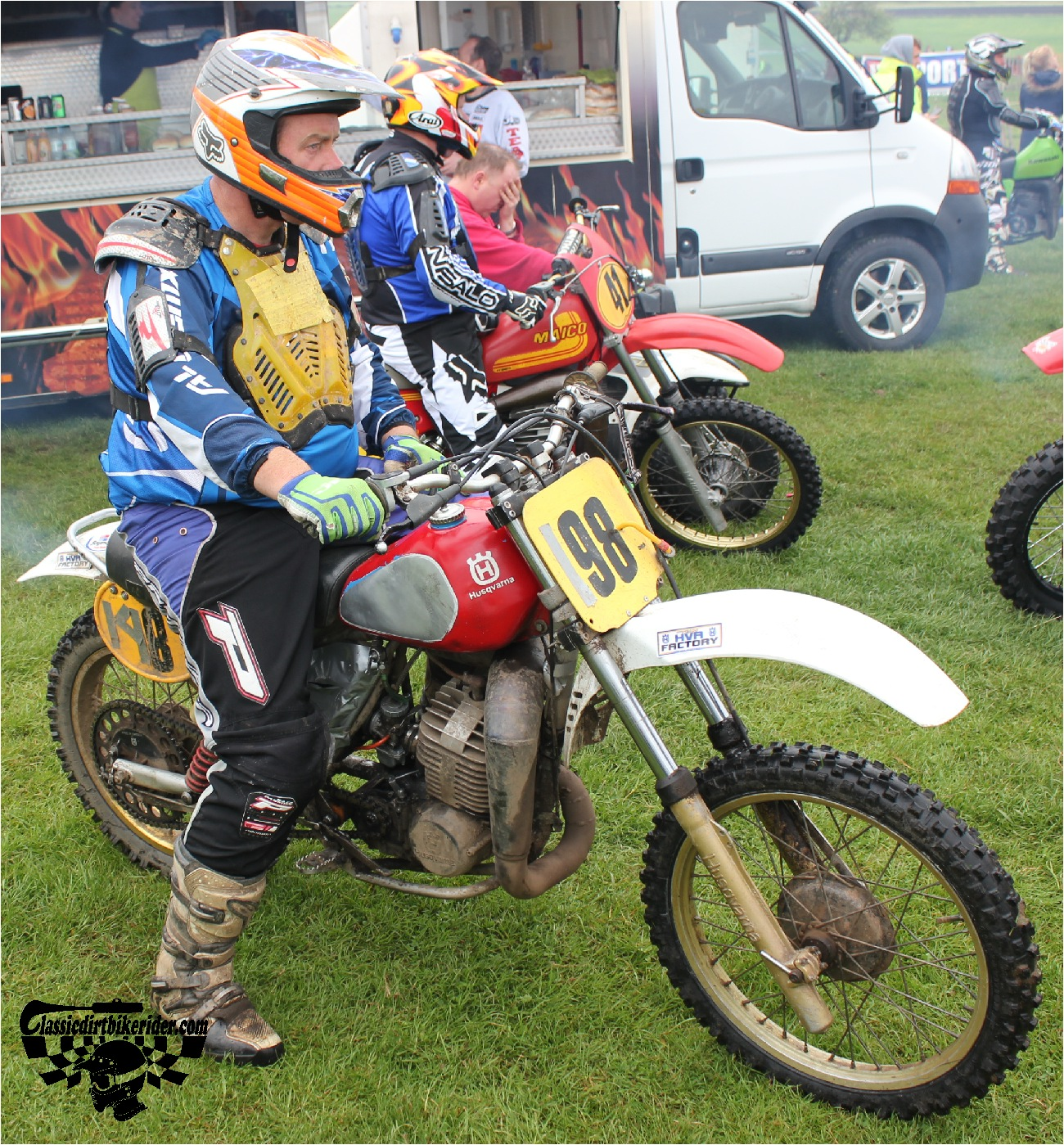 classicdirtbikerider.com-national-twinshock-championship-2015-Garstang-riders get ready for practice 23