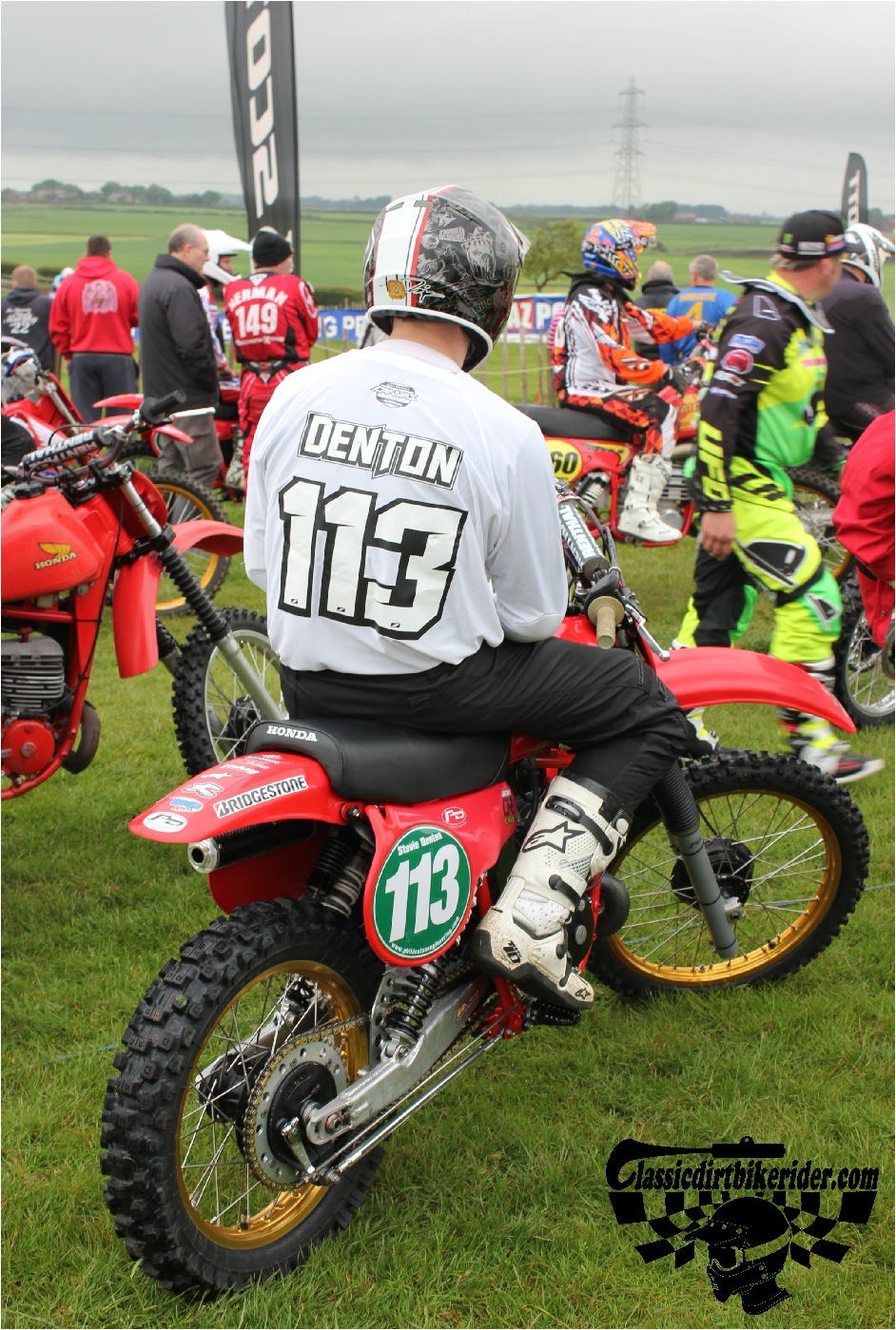 classicdirtbikerider.com-national-twinshock-championship-2015-Garstang-riders get ready for practice 6