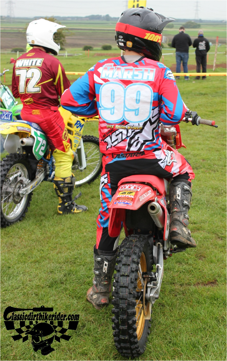 classicdirtbikerider.com-national-twinshock-championship-2015-Garstang-riders get ready for practice 7