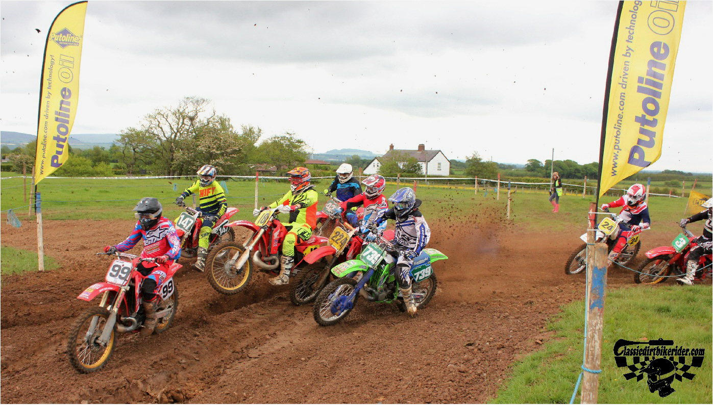 classicdirtbikerider.com-national-twinshock-championship-2015-Garstang-the first turn 1