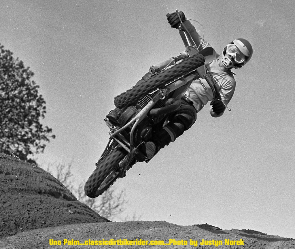 classicdirtbikerider.com...Justyn Norek Photo...uno palm...2