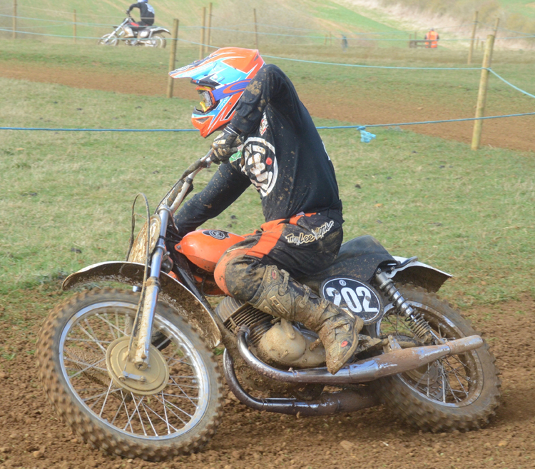 Northampton Classic Scramble Sproxton April 2016 www.classicdirtbikerider.com Photos by Eric Miles (17)
