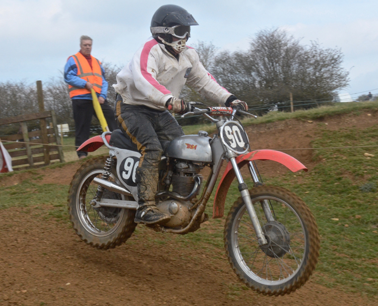 Northampton Classic Scramble Sproxton April 2016 www.classicdirtbikerider.com Photos by Eric Miles (33)