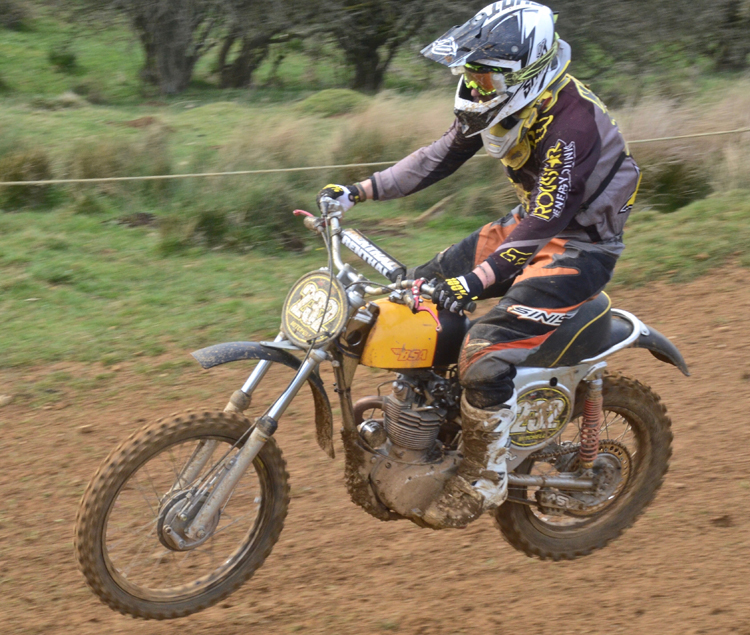 Northampton Classic Scramble Sproxton April 2016 www.classicdirtbikerider.com Photos by Eric Miles (36)