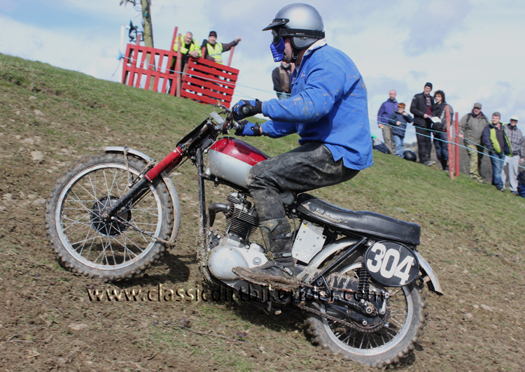Red Marley Hill Climb 2016 Photos Pictures Report Results www.classicdirtbikerider.com 18