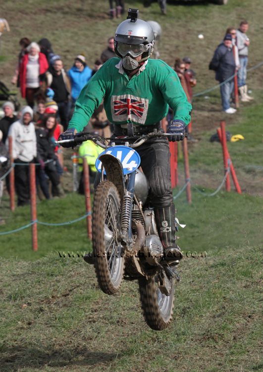 Red Marley Hill Climb 2016 Photos Pictures Report Results www.classicdirtbikerider.com Ian Bain #414 Greeves 345 scrambler mx