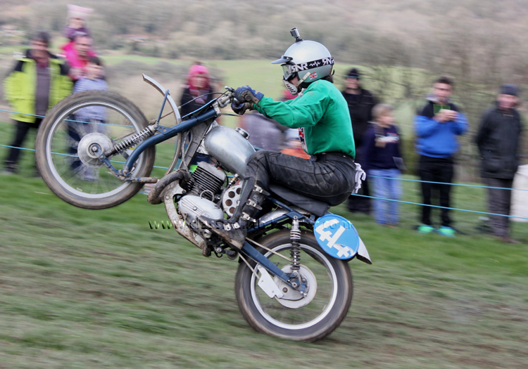 Red Marley Hill Climb 2016 Photos Pictures Report Results www.classicdirtbikerider.com Ian Bain #414 Greeves 345cc scrambler